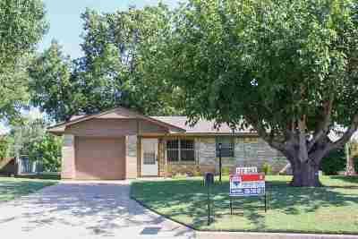 Lawton Single Family Home For Sale: 14 NE Cimarron Trail