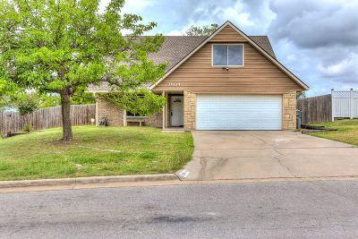Lawton Single Family Home For Sale: 2904 NE Bellevue Cir