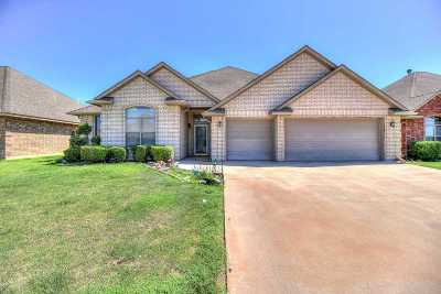 Lawton Single Family Home For Sale: 1506 SW 70th St