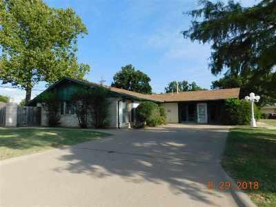 Lawton Single Family Home For Sale: 915 NW Cheryl Cir