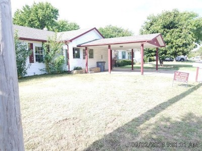 Lawton Single Family Home For Sale: 2126 NW Carroll Ave