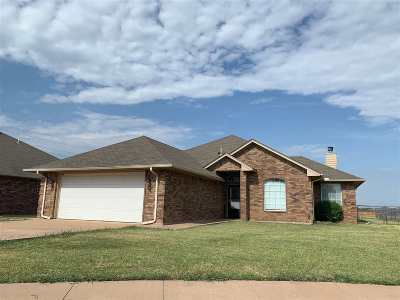 Lawton Single Family Home For Sale: 2001 SW 46th St