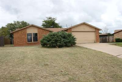 Lawton Single Family Home For Sale: 7503 SW Delta Ave
