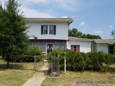 Lawton Single Family Home For Sale: 1702 SW 9th St