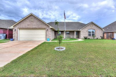 Lawton Single Family Home For Sale: 2204 SW 53rd St
