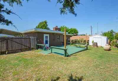 Lawton Single Family Home For Sale: 52 Lake Rd