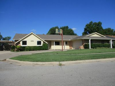 Lawton Single Family Home For Sale: 1502 NW 81st St