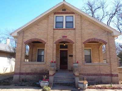 Lawton Single Family Home For Sale: 403 NW Ft Sill Blvd