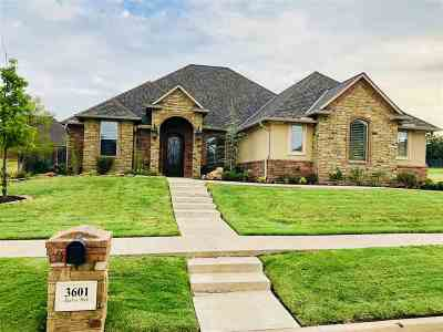 Lawton Single Family Home For Sale: 3601 NW Enclave Blvd