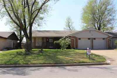 Lawton Single Family Home For Sale: 6328 NW Andrews Ave