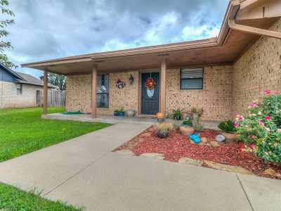 Lawton Single Family Home For Sale: 603 SW Gaylord Ave