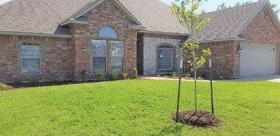 Lawton Single Family Home For Sale: 8310 SW Castlestone