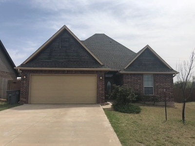 Lawton Single Family Home For Sale: 5712 NW Lady Marna Ave