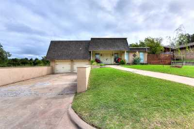 Lawton Single Family Home For Sale: 205 NW 74th St