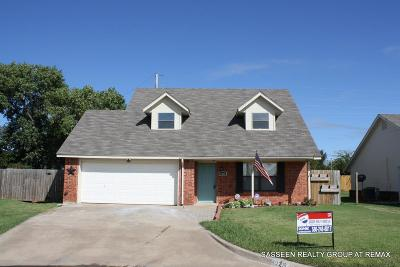Comanche County Single Family Home For Sale: 4025 SW Sunflower Ln