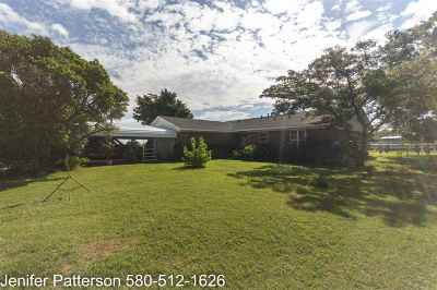 Cotton County Single Family Home For Sale: 198430 Old Burk Rd