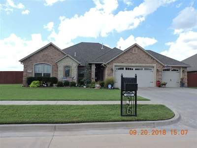 Comanche County Single Family Home For Sale: 2307 SW 56th St