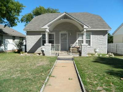 Comanche County Single Family Home For Sale: 413 SW Park Ave