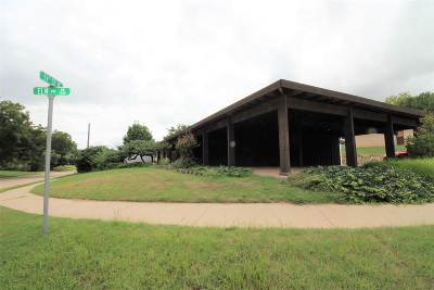 Comanche County Single Family Home For Sale: 904 NW 51st St