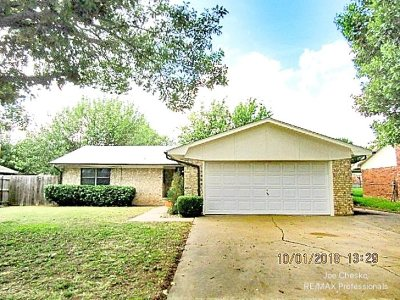 Lawton Single Family Home For Sale: 2304 NW 75th St