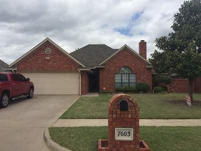 Lawton Single Family Home For Sale: 7603 NW Castlerock Pl