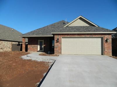 Lawton Single Family Home For Sale: 5405 SW Trevor Cir