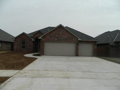 Lawton Single Family Home For Sale: 2308 SW 56th St