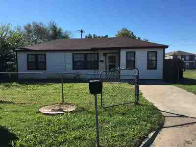 Lawton Single Family Home For Sale: 2128 NW Pollard Ave