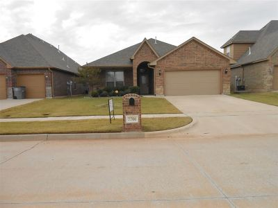 Lawton Single Family Home For Sale: 7706 SW Marshall Dr