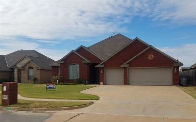 Lawton Single Family Home For Sale: 1605 SW 70th St