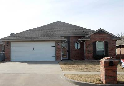Lawton Single Family Home For Sale: 4812 SW Waterstone Pl