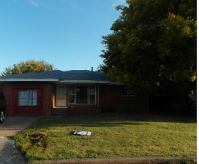Lawton Single Family Home For Sale: 1317 NW Carroll Dr