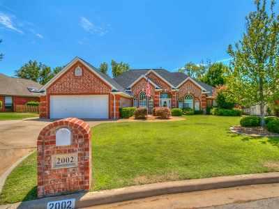 Lawton Single Family Home For Sale: 2002 NE 31st St