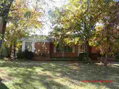 Lawton Single Family Home Under Contract: 3824 NW Dearborn Ave