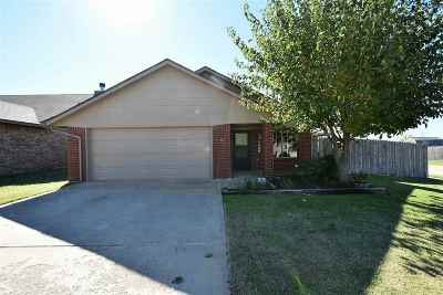 Single Family Home Under Contract: 4038 SW Mesquite Dr