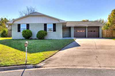 Lawton Single Family Home For Sale: 1814 NW Crosby Park Cir