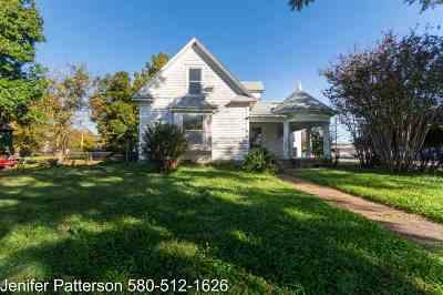 Walters Single Family Home For Sale: 319 E Colorado
