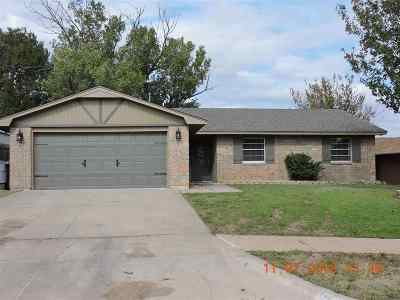 Lawton Single Family Home Under Contract: 2319 NW Dunstan Ln