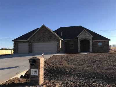 Elgin Single Family Home Under Contract: 5665 NE Snowy Owl Rd
