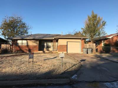 Lawton Single Family Home For Sale: 2308 NW 35th St