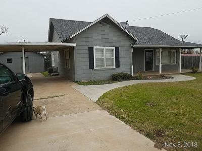 Caddo County Single Family Home For Sale: 200 W Nebraska