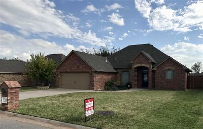 Comanche County Single Family Home For Sale: 1241 Red Rock Dr