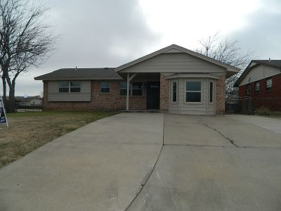 Lawton Single Family Home For Sale: 3812 SE Elmhurst Ln