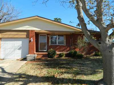 Lawton Single Family Home For Sale: 902 SW 35th St
