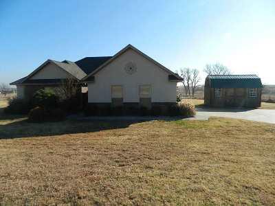 Elgin Single Family Home For Sale: 267 NE Happy Hollow Ln