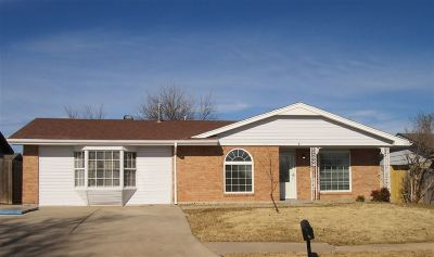 Lawton Single Family Home For Sale: 6917 SW Cherokee Ave