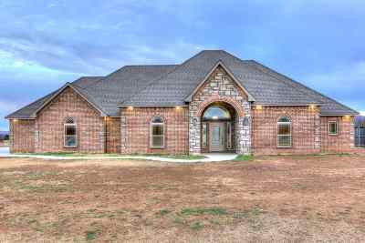 Lawton Single Family Home Under Contract: 1121 Mt Marcy Dr