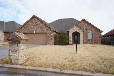 Elgin Single Family Home For Sale: 1225 Pebble Trail