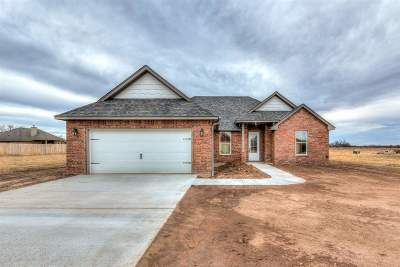 Cache Single Family Home For Sale: 411 NW Mountain Meadow Dr