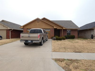Comanche County Single Family Home Under Contract: 4415 SW Mesquite Dr